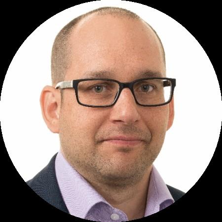Tuomas Vasama, talous- ja hankintajohtaja